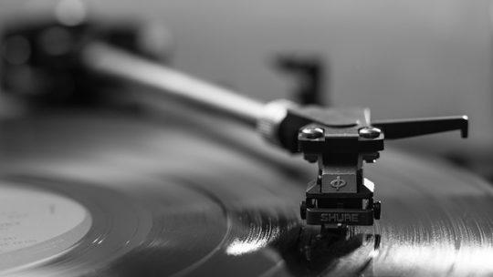 Comment le vinyle et le streaming numérique peuvent coexister en festival