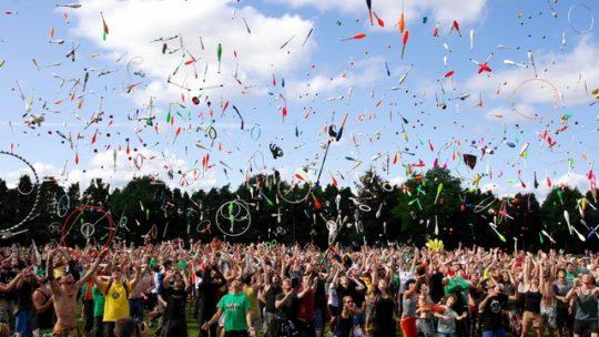 Comment s'organiser pour ne pas perdre ses affaires en festival cet été?